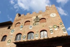 Palazzo Pretorio (close-up)