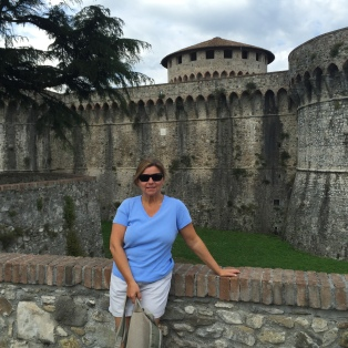 @travelwithlisa Lisa Vogele at Fortezza Firmafede, Sarzana, Italy