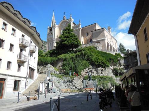 church-view-chatillon