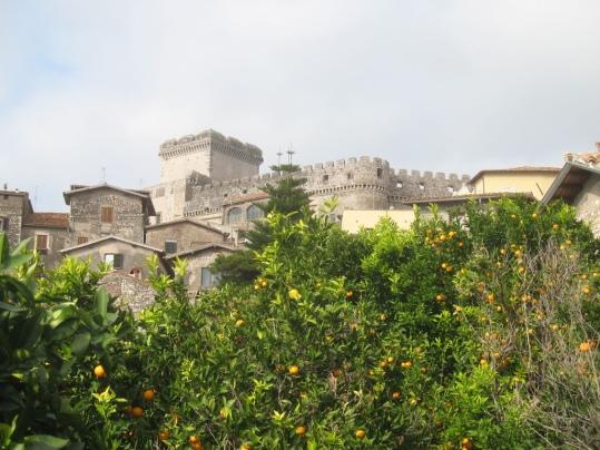 castello caetani sermoneta.jpg
