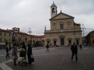 Saronno Piazza and Church of Saints Peter & Paul